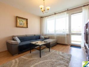 3-izbový byt s loggiou, prenájom, Na Revíne, Nové Mesto