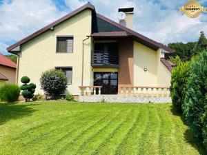 Rekreačná chata na celoročné bývanie, 220 m2 s veľkým pozemkom