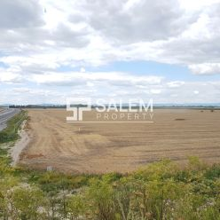 Predaj investičných pozemkov, ktoré pretína cesta R7 v Kvetoslavove