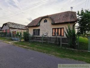 Zaujímavý rodinný dom v slušnej obci na južnom Slovensku - Veľká Čalomija