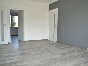 5i. byt s priestrannou loggiou a šatníkmi v kompletne zrekonštruovanom byte, v ktorom nikto nebýval,