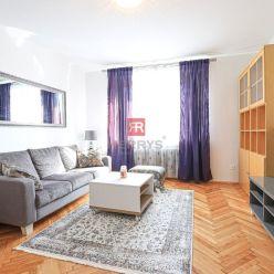 HERRYS - Na prenájom nádherný veľký nadštandardne zrekonštruovaný 3 izbový byt v centre mesta
