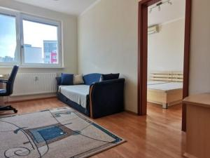 Na predaj priestranný, 3 izbový byt na ul. Beňadická - Petržalka, BA V.