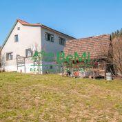 Exkluzívne: Rodinný dom v obci Svrčinovec (517-12-JAS)
