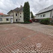 Predaj  polufunkčnej budovy pri Budatínskom zámku,  Žilina