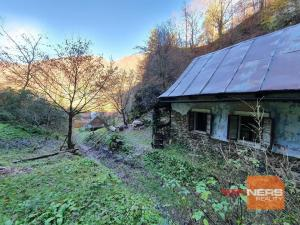Na predaj banícka chalupa na okraji obce Vyhne, 750m2
