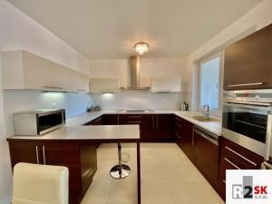 ‼️✳️ Predáme 3 izbový byt s terasou a garážou, Žilina - Hájik, LEN V R2 SK. ✳️