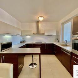 Prenajmeme 3 izbový byt s terasou a garážou, Žilina - Hájik, LEN V R2 SK. ✳️