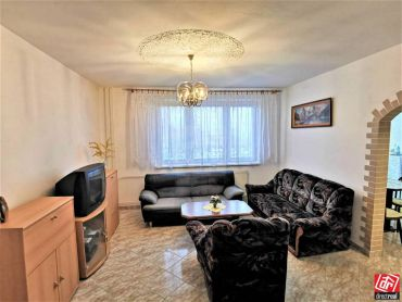 Directreal ponúka PRENÁJOM 2 izbový byt, ZARIADENÝ,voľný IHNEĎ, Kmeťova ulica NITRA