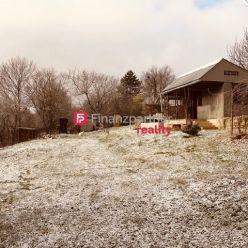 Exkluzívny pozemok v Prešove 934m2+ chata (F056-143-ANM)