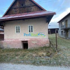 Drevenica pripravená na rekonštrukciu  v obci Šumiac