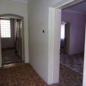 Na predaj rodinný dom, pôvodný stav, pozemok 2300 m2, Hostie, Zlaté Moravce