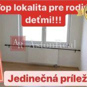 EXKLUZÍVNE: 4-izbový byt v pôvodnom stave  v centre mesta (82m2)