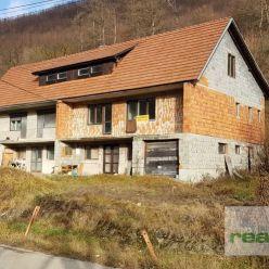 Na predaj DVOJDOM (prestavba na 4 byty) v obci Lednica