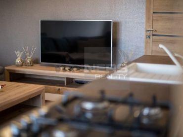 """NA PREDAJ zariadený byt voňajúci novotou pre pokojné bývanie so všetkými """"5P"""""""