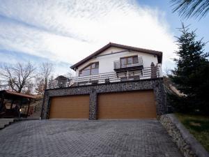 3-podlažná rodinná vila v tichej a žiadanej časti Limbachu v Slnečnom údolí