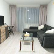 PRENÁJOM - Krásny priestranný 3 izbový byt - Nitra, Akademická