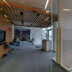 Reprezentatívny obchodný priestor 93 m2 na prenájom v objekte Bratislava Business Center I PLUS na P