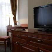 BOND REALITY - SKVELÁ INVESTIČNÁ PRÍLEŽITOSŤ - Ponúkame na predaj 3 hviezdičkový hotel v centre mest