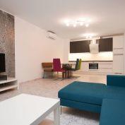 Na prenájom-2 izbový priestranný byt  v Šamoríne 70m2 s loggiou, Novostavba blízko centra