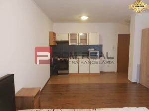Na PRENÁJOM 1 izbový byt blízko centra Pezinka
