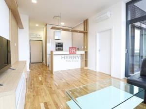 HERRYS - Na prenájom nový moderný a kvalitne zariadený 2 izbový byt s veľkou lodžiou v novostavbe Pr