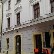 Priestory na reštauráciu v historickej budove na pešej zóne.