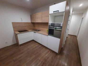 Na predaj nanovo prerobený 2 izbový byt na Nábrežnej ulici