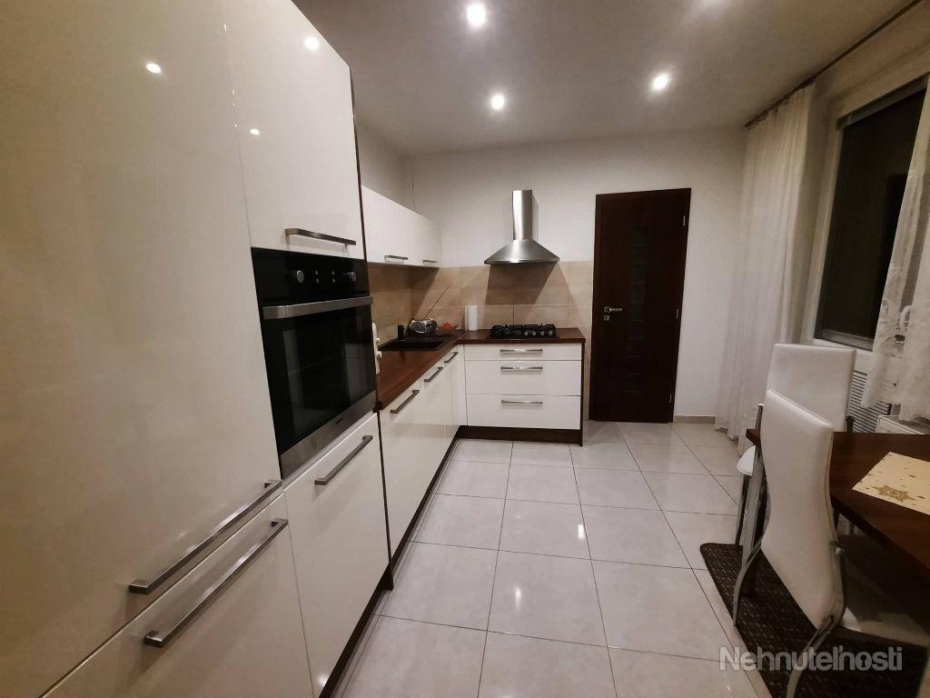 NOVINKA !!!Na predaj 2 izbový 68 m2 byt s lódžiou na JUHU