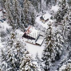 REZERVOVANÉ Exkluzívne predáme veľkú murovanú chatu na Krpáčove