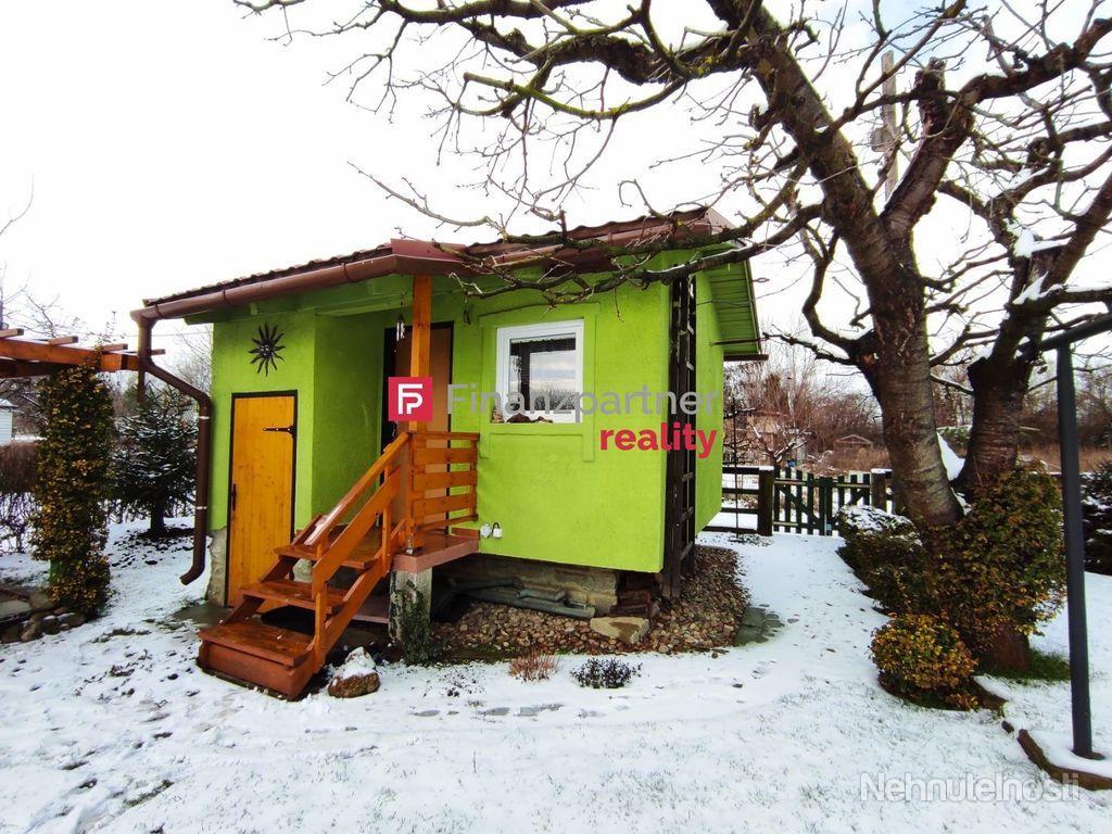Krásna murovaná chatka s udržiavanou záhradkou - Šintava