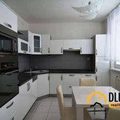 Ponúkame Vám na prenájom 4 izbový byt Poprad - Starý juh, s balkónom, byt je po kompletnej rekonštru