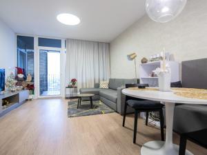 Prenájom krásneho 2 izbového bytu s veľkou terasou