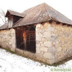 Kamenná stavba s rozsiahlym pozemkom na Krupinskej pahorkatine - Suché Brezovo