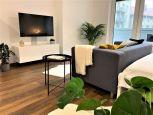 Nový 1- izbový byt v novostavbe so zasklenou loggiou a parkovacím státím v centre mesta, v projekte