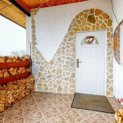 Predaj krásnej chalupy na Myjavských kopaniciach, Rudník – Mockovci  s pozemkom 1138 m2
