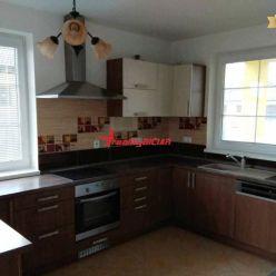 Na predaj luxusný rodinný dom na Čiernej Vode