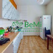 Prenájom 3,5-izbový byt s balkónom na Exnárovej ulici v Prešove.