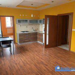 NA PRENÁJOM, 3 izbový byt, Sihoť IV., Armádna ulica, Trenčín