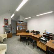 Ponúkame na predaj kancelársky priestor v centre mesta Banská Bystrica.