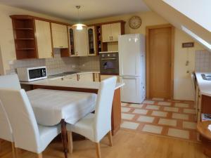 TRNAVA REALITY, s.r.o. - ponúka na prenájom krásny, veľký 3-izbový byt v centre mesta na Františkáns