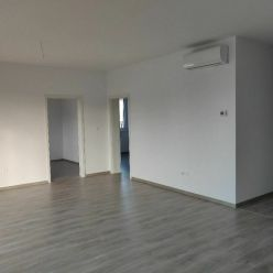 Skolaudovaný 3i-byt v tichom prostredí