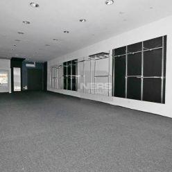 Prenájom obchodné priestory 87 m2, Podhora centrum mesta Ružomberok.