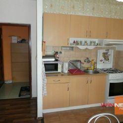 Ponúkam na prenájom zariadený, zrekonštruovaný 1 izbový byt na Rúbanisko II v Lučenci