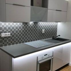 TRNAVA REALITY, s.r.o. ponúka na prenájom moderný 2 - izbový byt po kompletnej rekonštrukcii na ulic