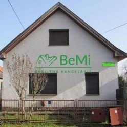 Predáme rodinný dom - Kozárovce (960-12-AFI)