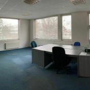 Kancelária 40m2 s rokovacou miestnosťou  a parkingom v dvojpodlažnej budove ,Petržalka, Kaukazská ul