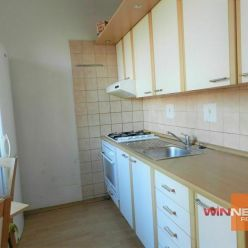 Exkluzívne ponúkame  na predaj dvojizbový byt s  loggiou na ulici Švermova v Banskej Bystrici