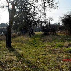 Exkluzívne predaj pozemok 844m2; ulica Na vrátkach; Bratislava IV. - Dúbravka