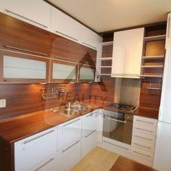 3 izbový byt na predaj, Ul. A. Stodolu, st.sídlisko, Prievidza
